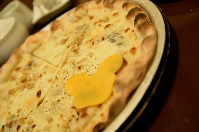 リストランテ・ディ・カナレットのランチコース ピッツァ:カナーレ・ベッロ(5種のチーズ)